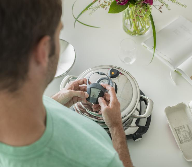 "Self-controlled cooking with ""Audiotherm"" and ""Navigenio"""