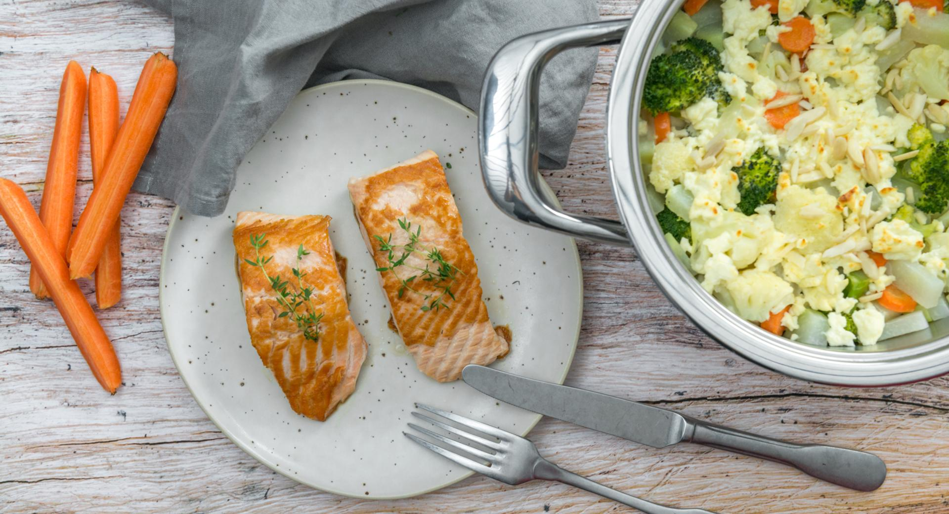 Salmon fillet with gratinated seasonal vegetables