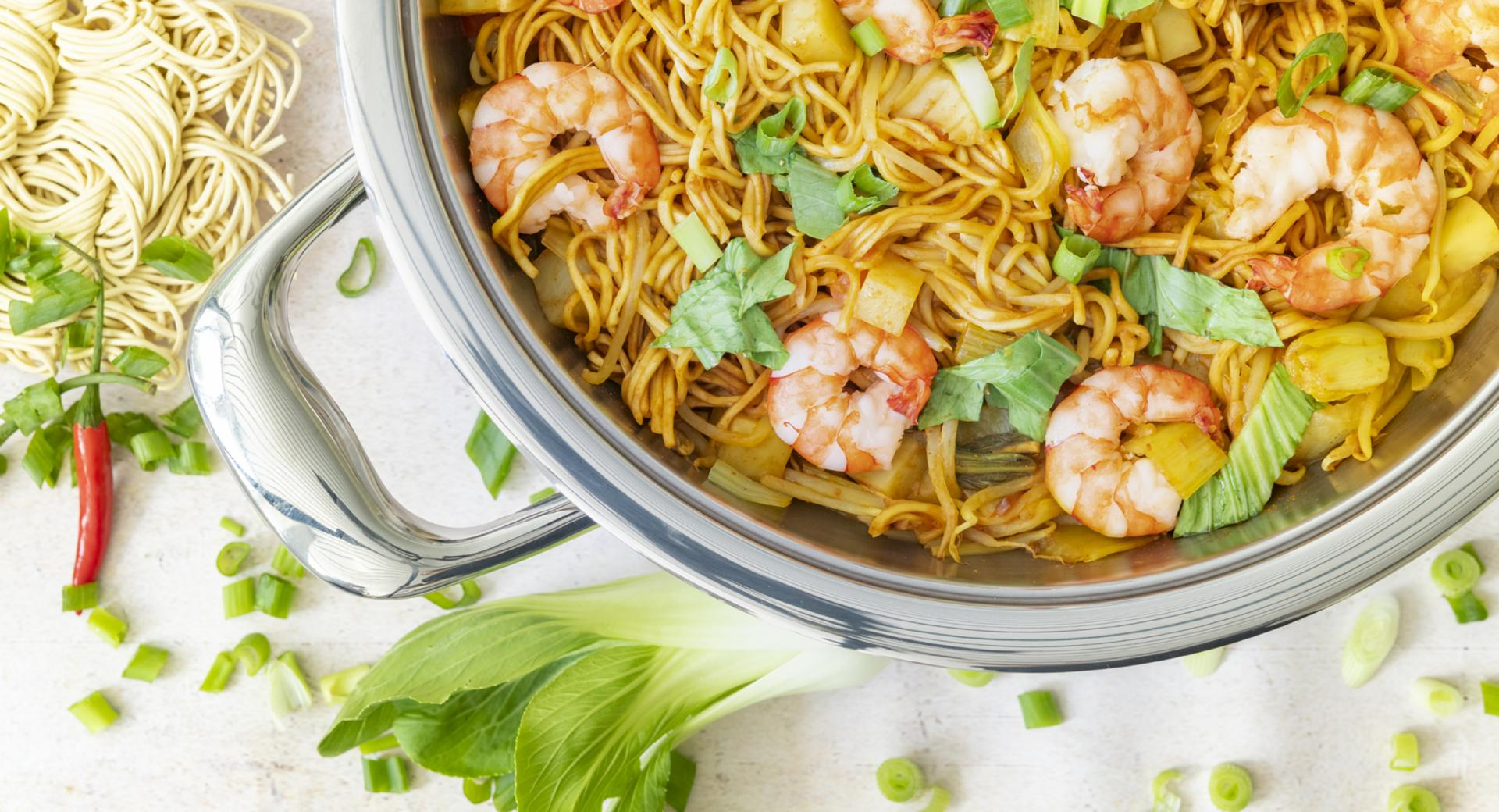 Noodles with prawns and pak choi
