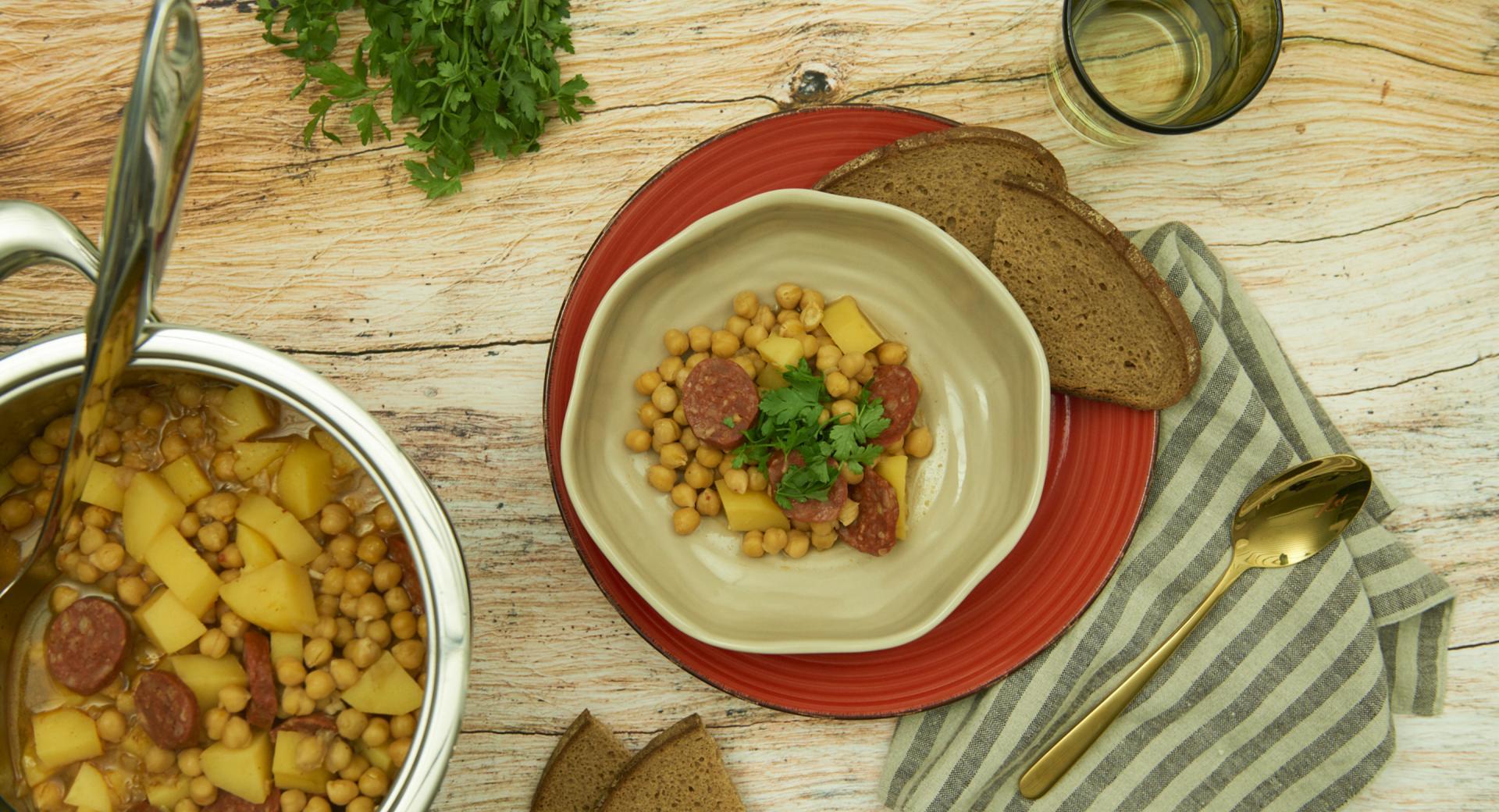 Spanish chickpea stew