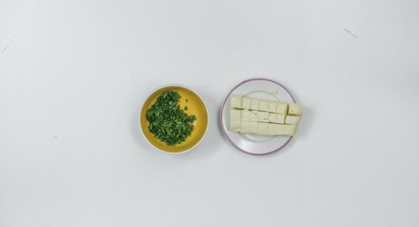 Remove the parsley leaves from the stems and chop finely. Cut the Taleggio into cubes.