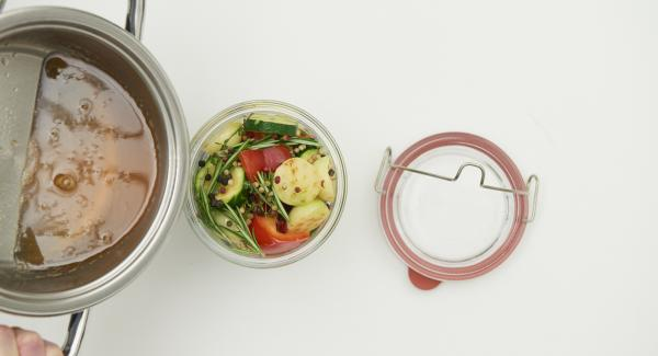 Pour the hot marinade over the vegetables. Close and fix with clean rubber ring and lid.