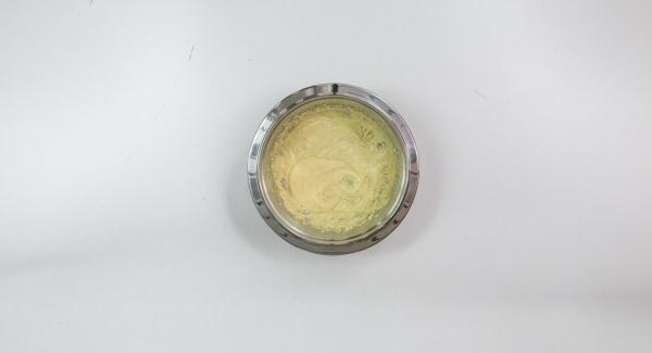 Cream butter with sugar, stir in vanilla sugar, lemon peel and egg. Mix flour and baking powder and stir in briefly together with buttermilk or milk.