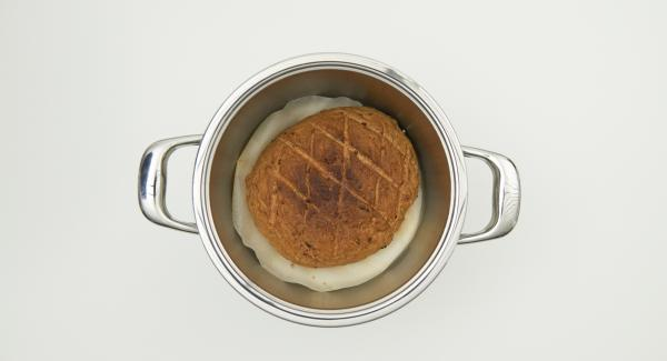 When time is up remove the bread from the pot and let it cool down on a cooling rack.