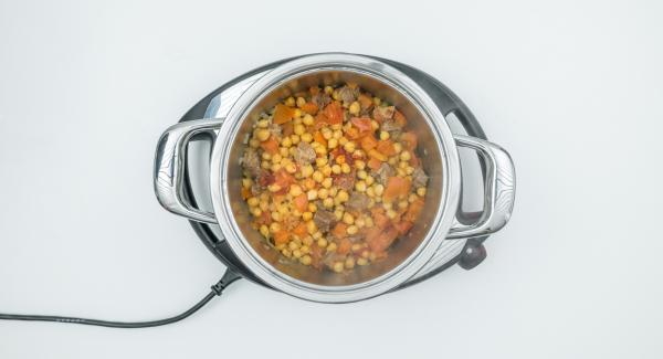 At the end of cooking time depressurise Secuquick softline. Season the stew before serving.