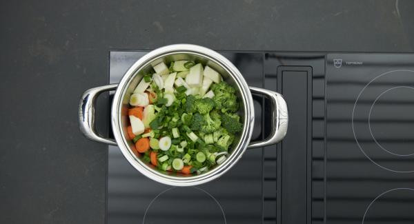 Place pot on hob and set it at highest level. Switch on Audiotherm, enter approx. 20 minutes cooking time in the Audiotherm, fit it on Visiotherm and turn it until the vegetable symbol appears.