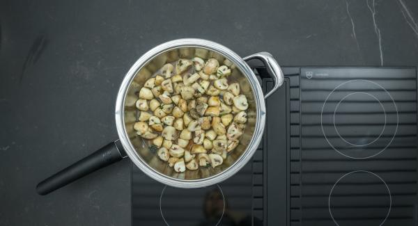 Remove from the hob, deglaze with sherry and vinegar. Stir in honey and season with salt and pepper.