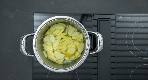 Place pot on stove and set it at highest level. Switch on Audiotherm, enter approx. 5 minutes cooking time in the Audiotherm, fit it on Visiotherm and turn it until the vegetable symbol appears.
