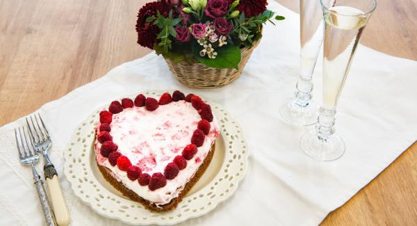 Choco-heart with raspberry cream