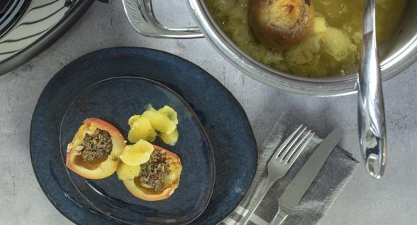 Apples stuffed with mince meat