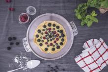 Tart with berries